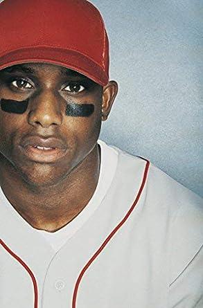 野球 選手 目の下 の 黒い シール